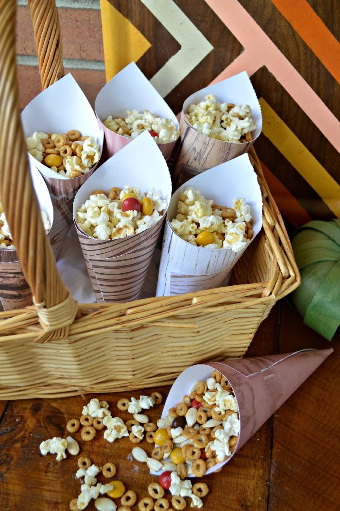 snack-mix-in-paper-cones