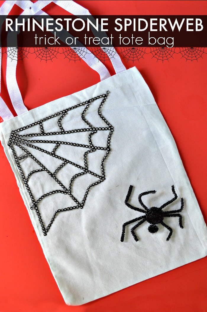 15 MINUTE TRICK OR TREAT TOTE BAG