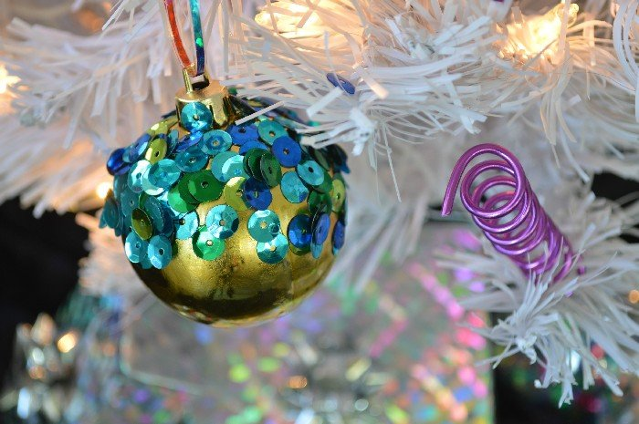 HOW TO MAKE WIRE SQUIGGLE ORNAMENTS