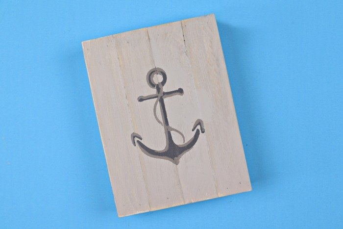 TIPS FOR STENCILING ON ROUGH WOOD