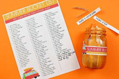 summer printable bucket list with a mason jar on an orange background