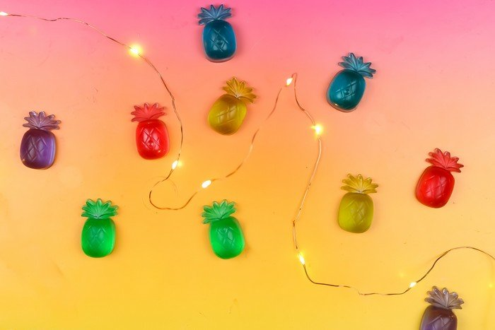COLORFUL PINEAPPLE STRING LIGHTS