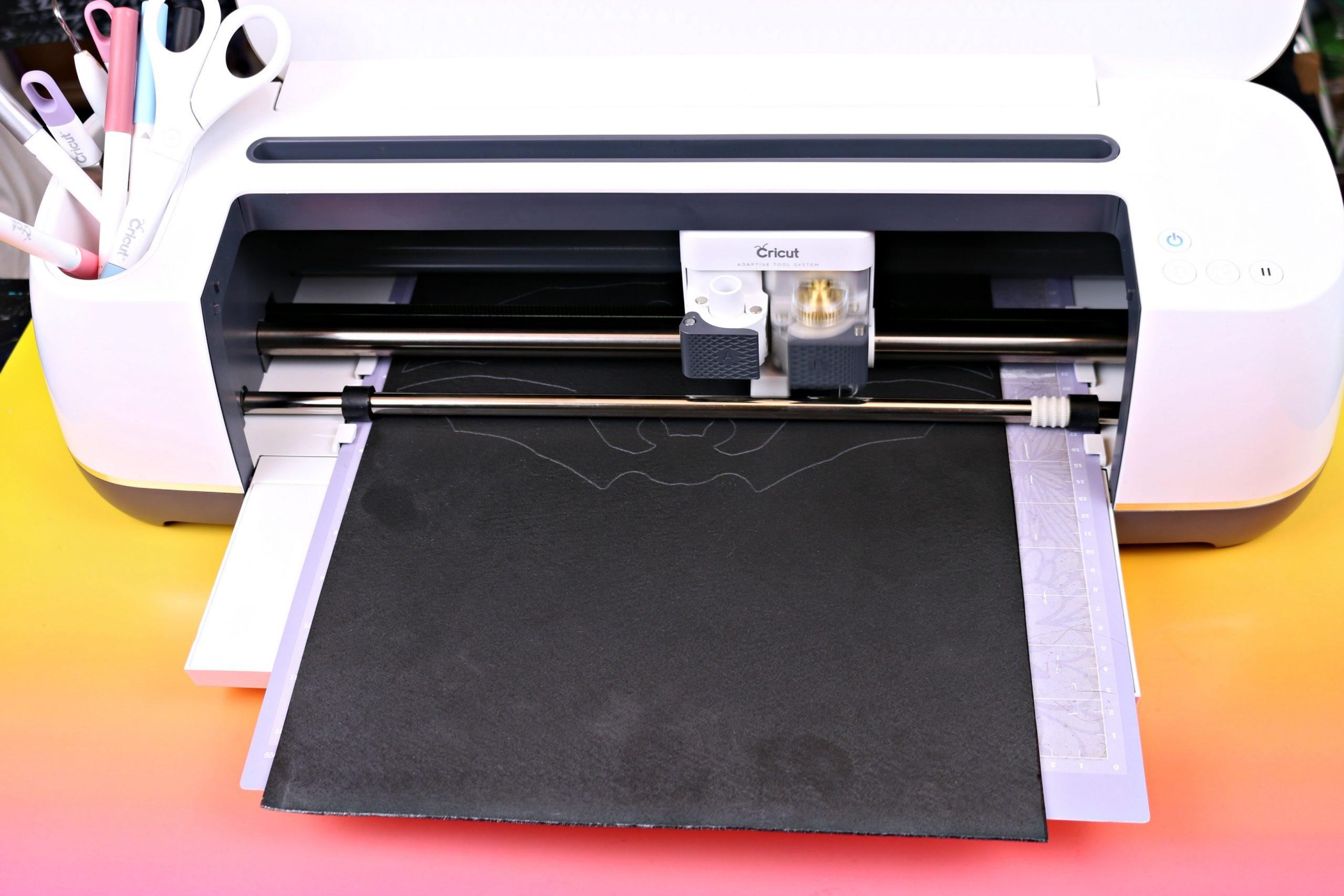 Cricut Maker cutting worlba plastic