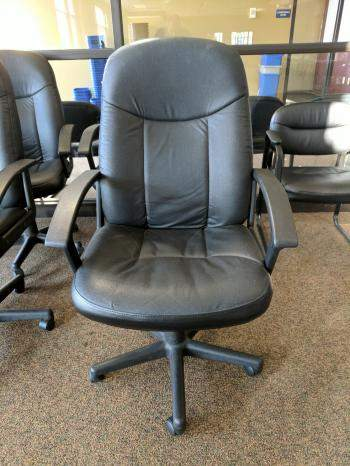 Fabrique Par Executive Rolling Office Chair  Madison