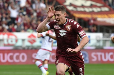 TURIN, ITALY - APRIL 15: Andrea Belotti of FC Torino celebrates after scoring the opening goal from the penalty spot during the Serie A match between FC Torino and FC Crotone at Stadio Olimpico di Torino on April 15, 2017 in Turin, Italy. (Photo by Valerio Pennicino/Getty Images)