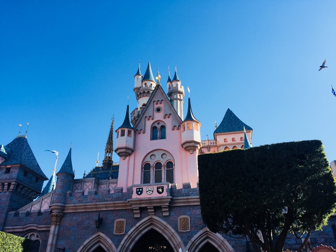 10 Reasons to Love Disneyland