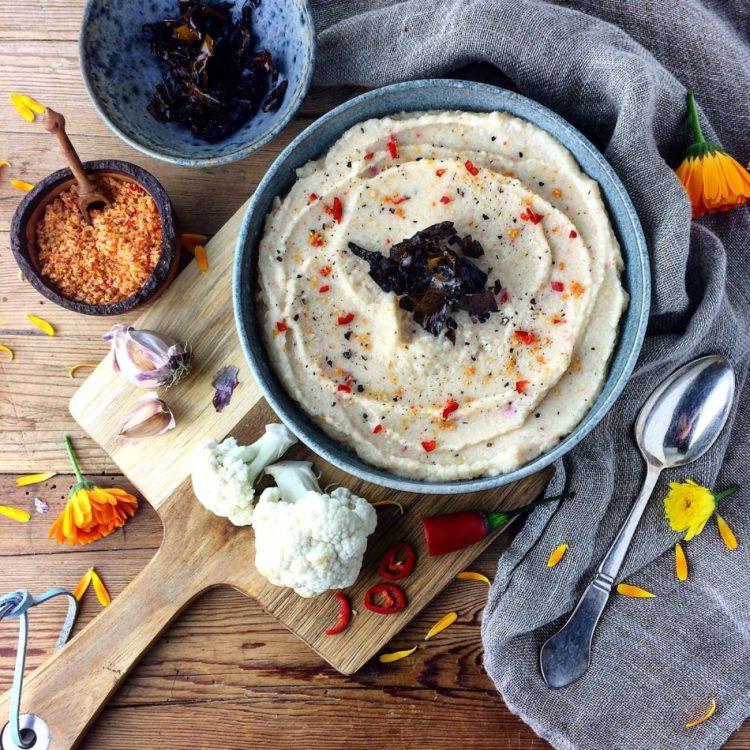 Blomkålspuré med chili og kokosmælk - Vegansk opskrift - Mad med glød