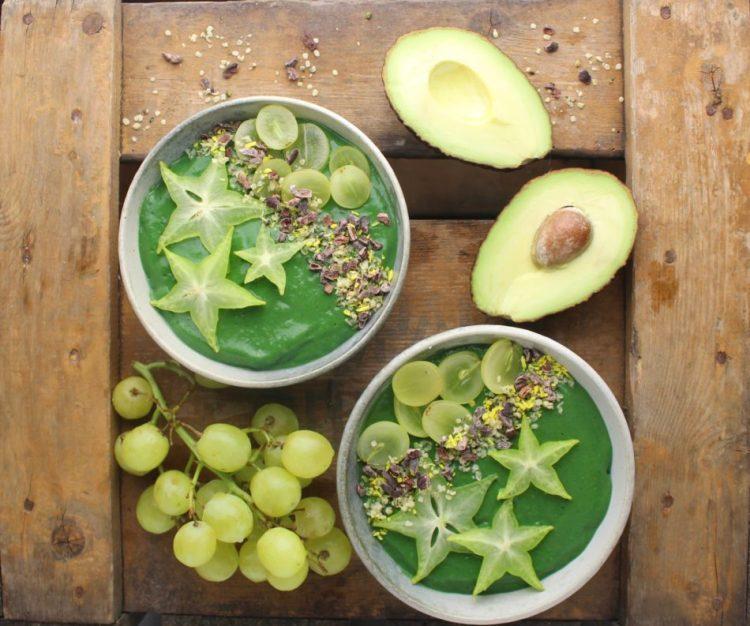 Grøn Nytårs smoothiebowl - Plantebaseret / Vegansk opskrift - Mad med glød