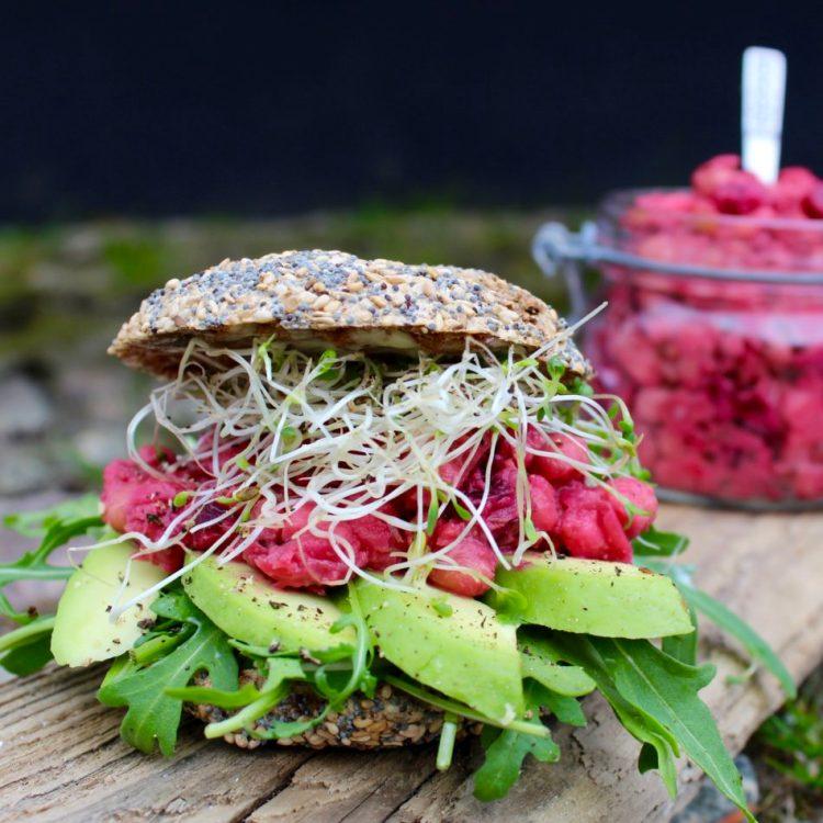 Kikærtepålæg med rødbede- Plantebaseret / Vegansk opskrift - Mad med glød