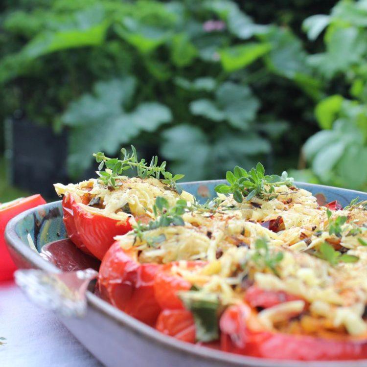 Fyldte peberfrugter - Plantebaseret / Vegansk opskrift - Mad med glød
