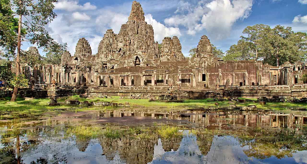 Siem Reap Backpackers Guide - From Mad Monkey Hostels