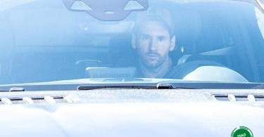 Messi arrives Barca training ground