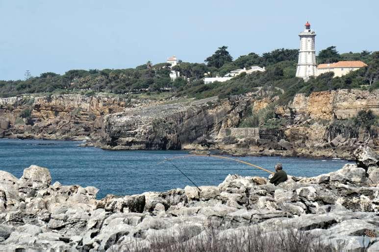 Ausflug nach «Cascais»: «Farol da Guia» (Leuchtturm) beim «Casa da Guia» {Reisetagebuch Lissabon: Tag 03}
