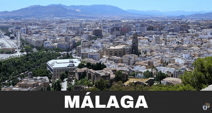 Blick vom «Castillo de Gibralfaro» auf «Málaga» mit der «Catedral de Málaga» {Andalusien Reisetagebuch}