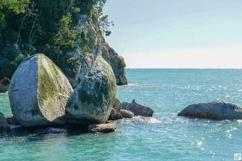 """""""Split Apple Rock"""" {Reisetagebuch «Roadtrip durch Neuseeland mit dem Bus»: «Abel Tasman National Park»}"""
