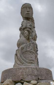 Stadtwanderung «City to Sea Walkway»: Skulptur Te Rauparaha - Te Rangihaeata {Reisetagebuch «Roadtrip durch Neuseeland mit dem Bus»: «Wellington»}