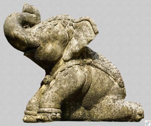 Elefanten-Statue