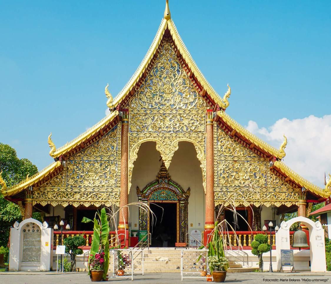 Wat Chai Phra Kiat in Chiang Mai: Außenansicht (Reisetagebuch «Thailand als Alleinreisende ohne Roller entdecken»)