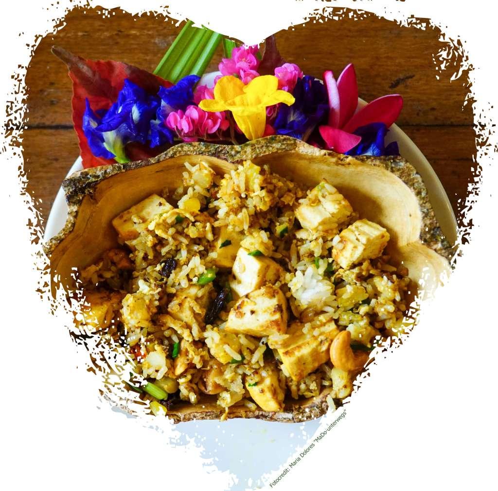 Zabb-E-Lee Thai Cooking School: fried rice with pineapple (Reisetagebuch «Thailand als Alleinreisende ohne Roller entdecken»)