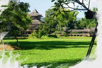 Chiang Rai: vom Besuch des Weißen Tempels zum Blauen Tempel bis hin zum Wat Huay Pla Kang (Thailand als Alleinreisende ohne Roller entdecken) 1