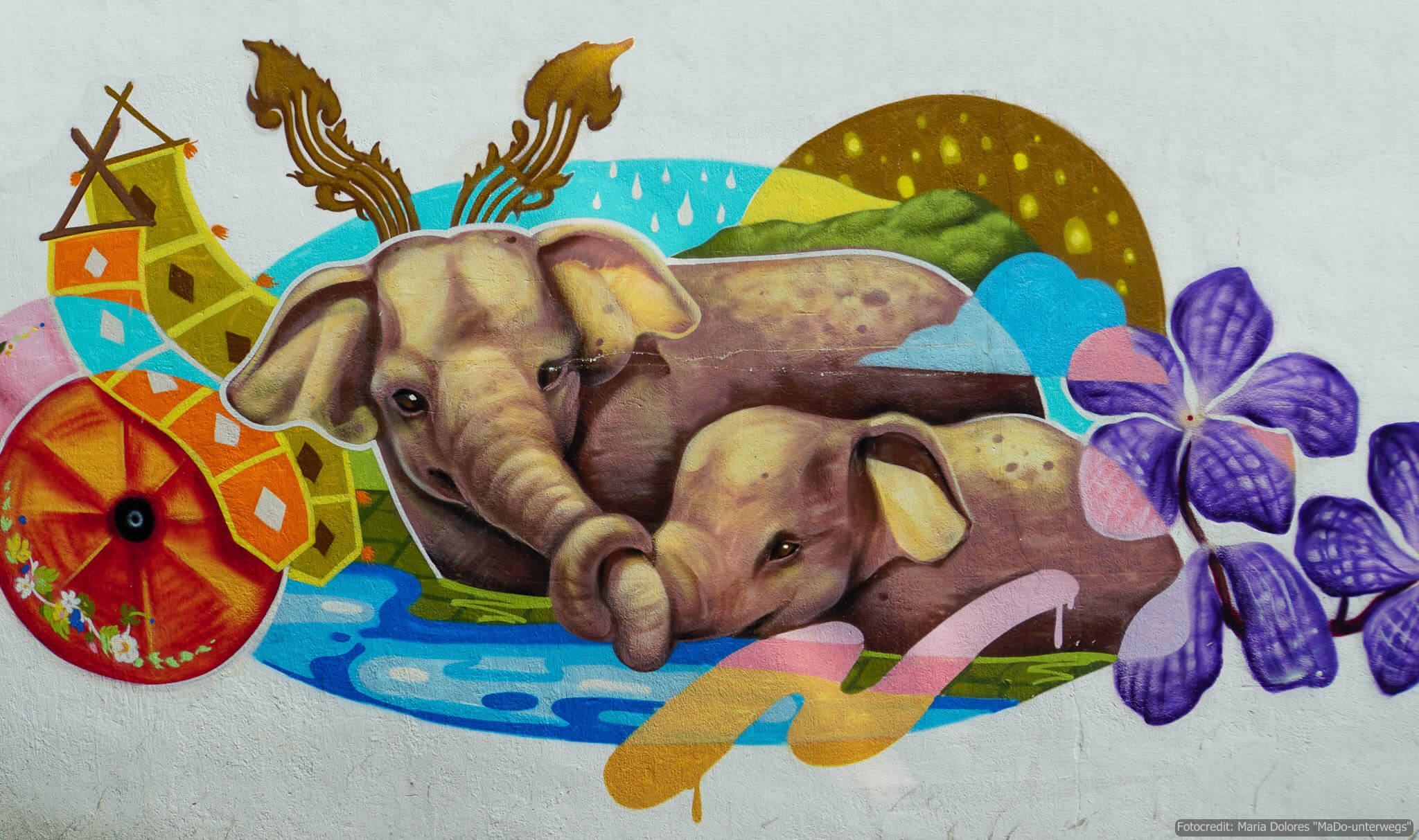 """Street-Art in Chiang Mai """"zwei Elefanten"""" (Reisetagebuch «Thailand als Alleinreisende ohne Roller entdecken»)"""
