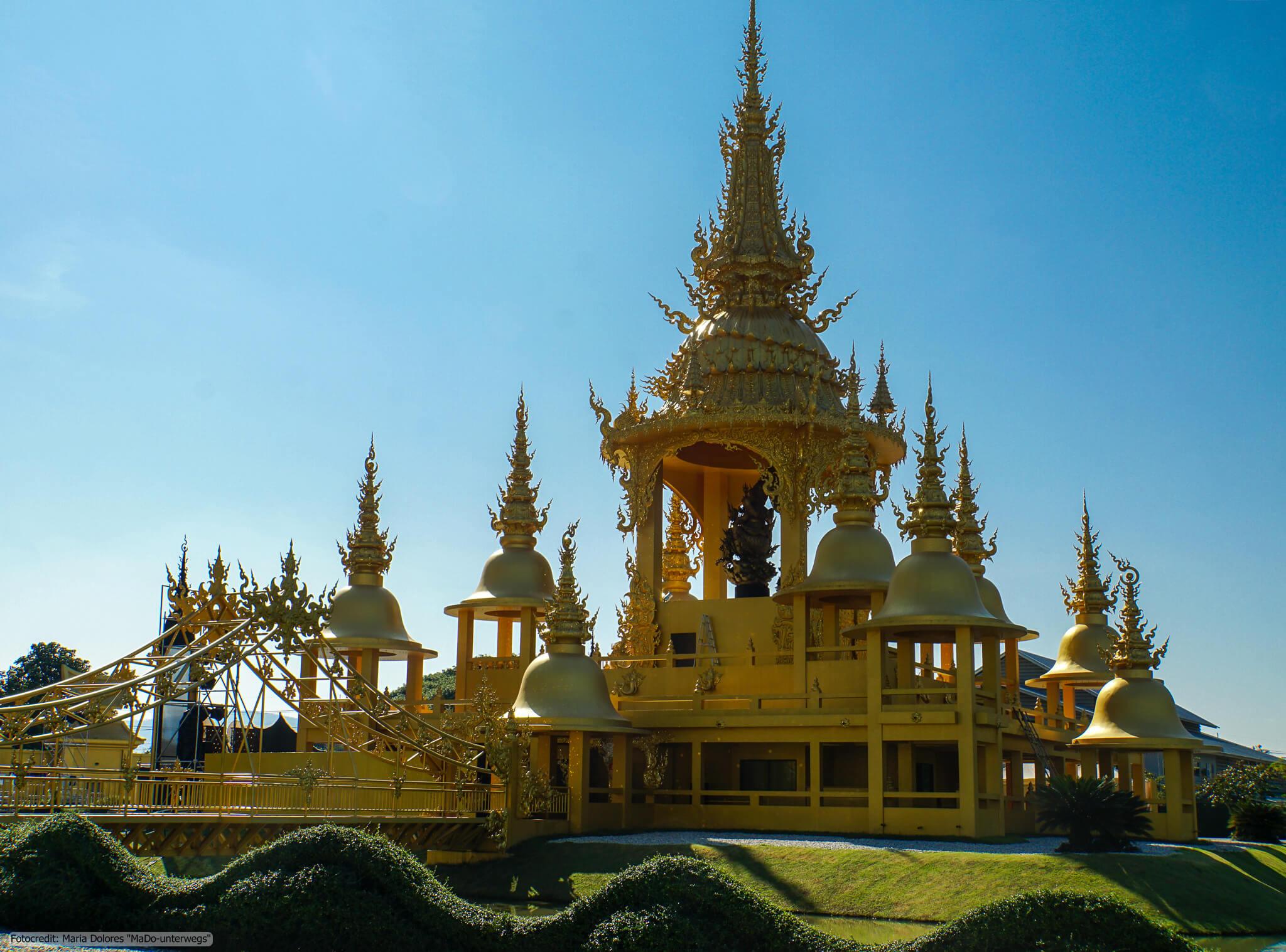 Wat Rong Khun (Weißer Tempel) in Chiang Rai - Ganesha Exhibition Hall (Reisetagebuch «Thailand als Alleinreisende ohne Roller entdecken»)