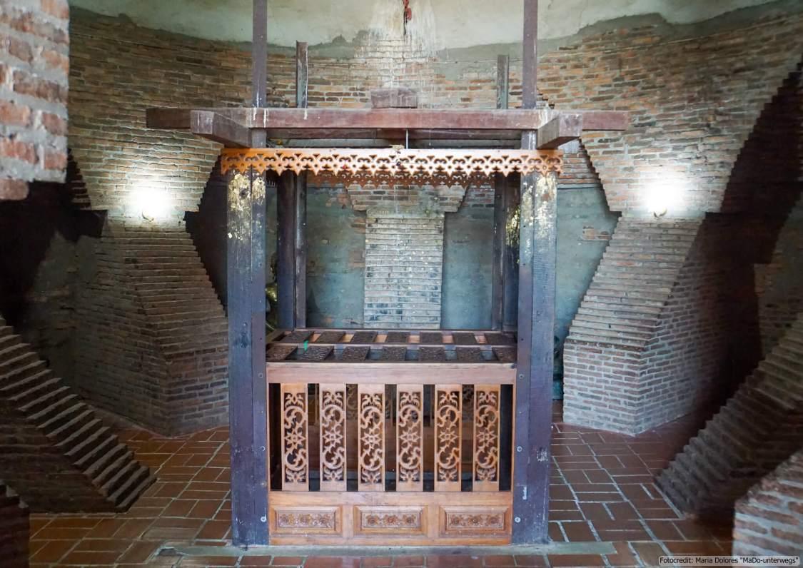 Wat Yai Chai Mongkon in Ayutthaya - im Inneren des Chedis - Reliquienkammer (Reisetagebuch «Thailand als Alleinreisende ohne Roller entdecken»)