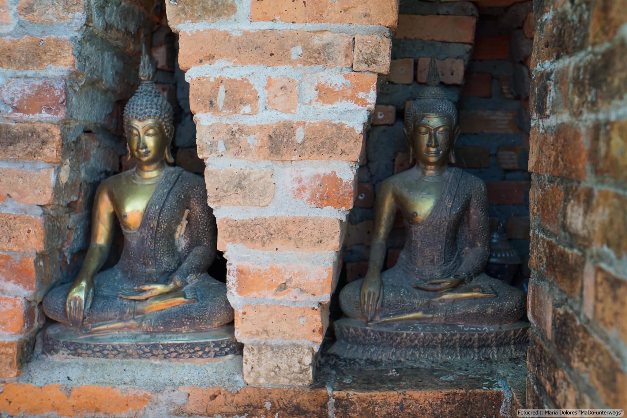 beim Wat Sri Chum im Sukhothai Historical Park entdeckt (Reisetagebuch «Thailand als Alleinreisende ohne Roller entdecken»)