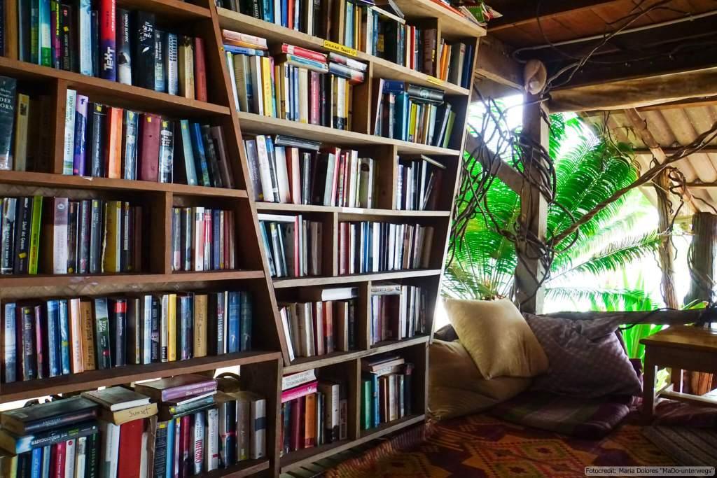 Sunset Bungalow auf Ko Chang Ranong - Bibliothek (Reisetagebuch «Thailand als Alleinreisende ohne Roller entdecken»)