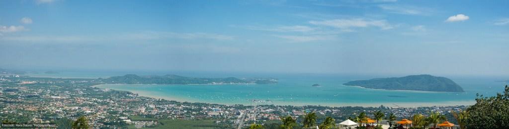 Panoramaaufnahme vom Nakkerd Hill in Phuket Chalong (Reisetagebuch «Thailand als Alleinreisende ohne Roller entdecken»)