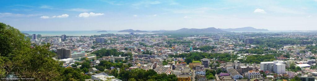 Panoramaaufnahme vom Rang Hill View Point in Phuket Town (Reisetagebuch «Thailand als Alleinreisende ohne Roller entdecken»)