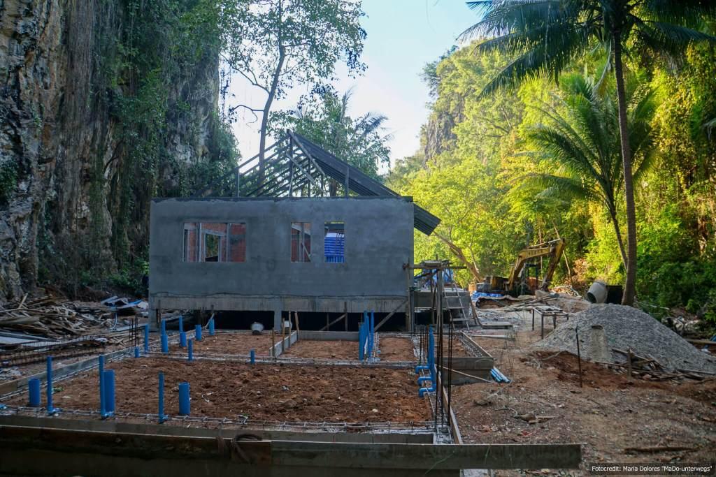 überall wird gebaut - auch auf Koh Lao Lading in der Andamanensee (Reisetagebuch «Thailand als Alleinreisende ohne Roller entdecken»)