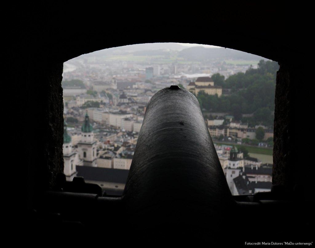 Festung Hohensalzburg: Kanone - gerichtet auf die Altstadt [10 Tage Roadtrip Salzburg]