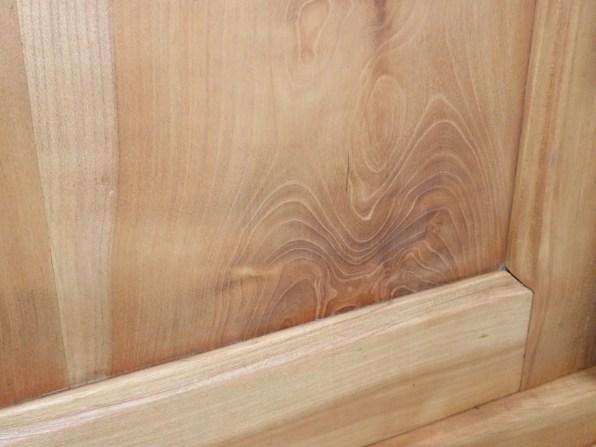 relooking meuble merisier teinte vintage contemporain aérogommage décapage