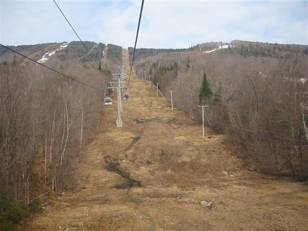 Photo par Éric B. 1 mai 2004: Mont ste-Anne - versant sud