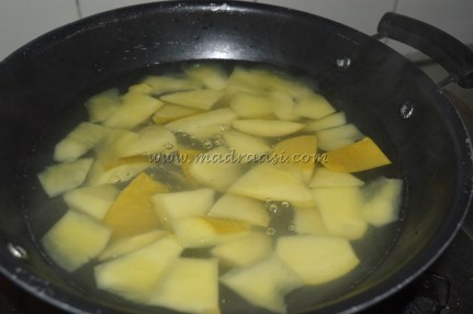 Mangoes getting boiled