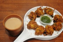 Kullad Chai with onion pakoda