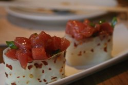 Tartare de atún picante en Kena