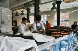 Preparando pizzas en Picsa
