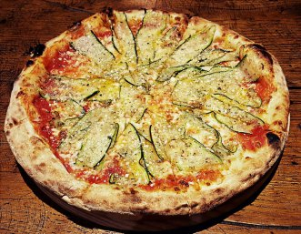 Pizza de calabacín aliñado en López & López