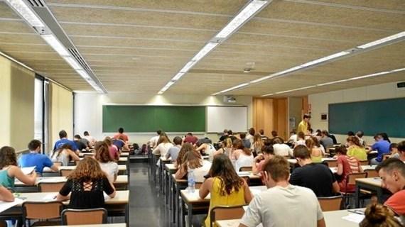 Reducen las tasas universitarias por segundo año consecutivo en la Comunidad