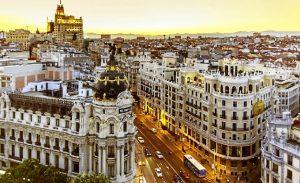 Más puntos de recarga, la clave para fomentar la movilidad eléctrica en Madrid