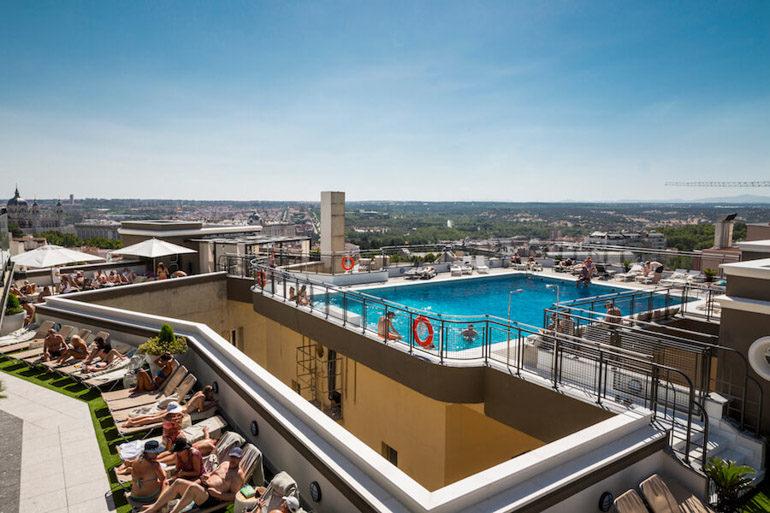El Hotel Emperador abre su roof garden de verano  Terraza en Gran Va