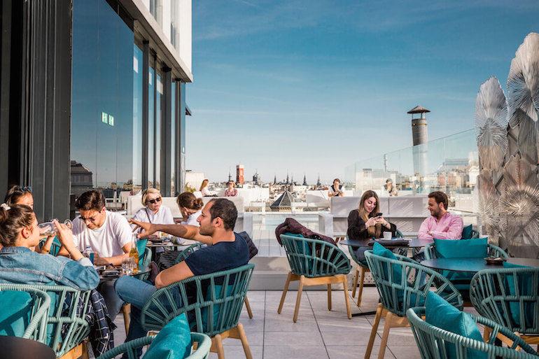 Ginkgo Sky Bar restaurante y cocktail bar con vistas en Madrid