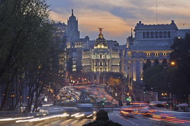 Madrid Imprescindible: Histórico Y Actual