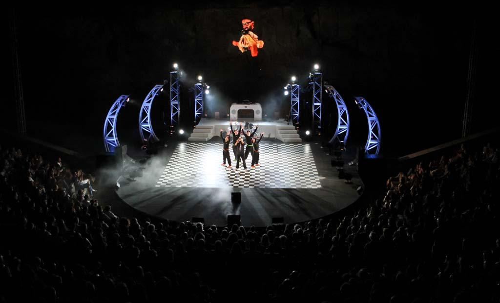 BRODAS BROS -10 AÑOS- en el Teatro de la Luz Philips
