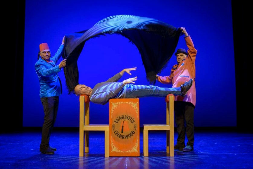 HITS de TRICICLE en el Teatro de la Luz Philips