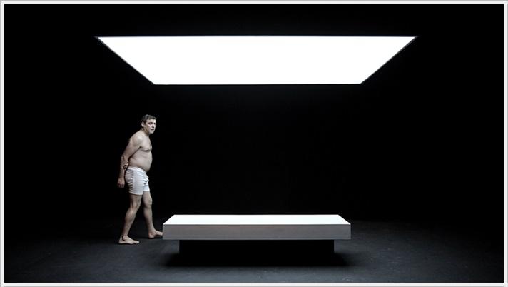 PRIMER AMOR de Beckett en el Teatro Valle-Inclán