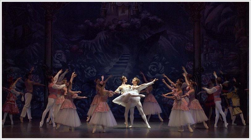 EL CASCANUECES Ballet de San Petersburgo en el Teatro de la luz Philips Gran Vía