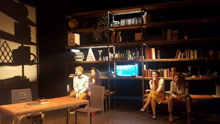 UN TERCER LUGAR de Denise Despeyroux en el Teatro Español